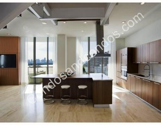 Spacious, open kitchen with breakfast bar
