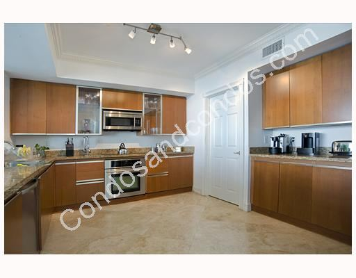 Spacious kitchen with walk-in pantry