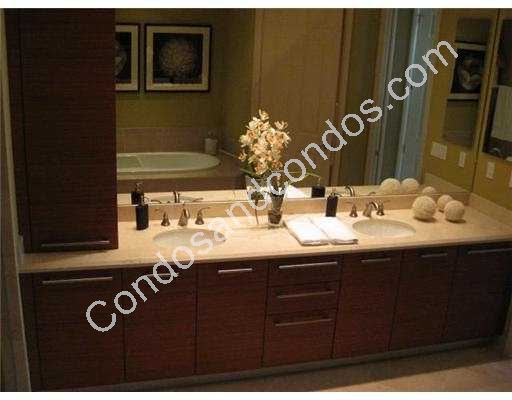 Dual sink vanity in the master bathroom