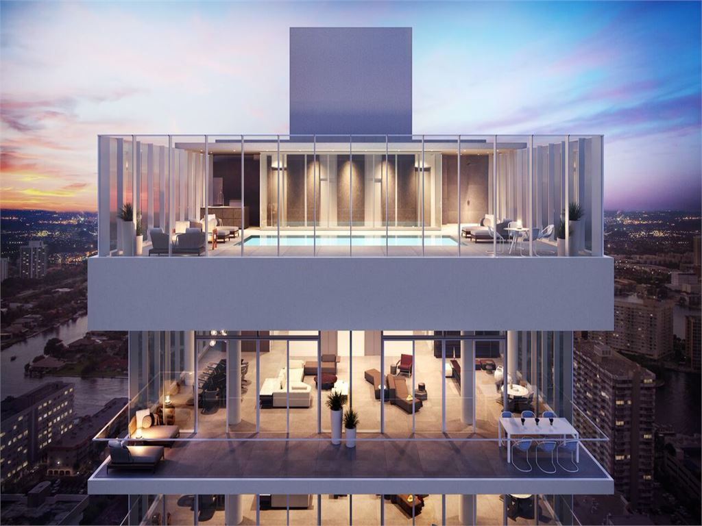 Full-Floor Penthouses & Duplex Sky Villas