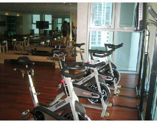 Spinning Room in state-of-the-art health club w/ aerobics, cardio & weights