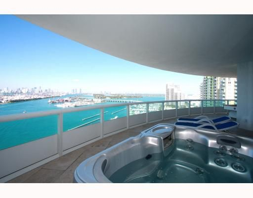 Oversized Balcony with Jacuzzi tub