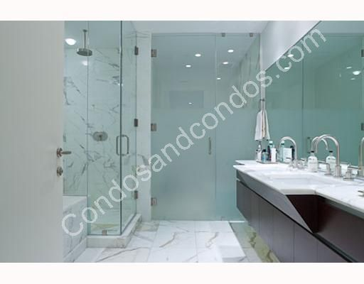 Master bath with sealed glass and rain showerhead