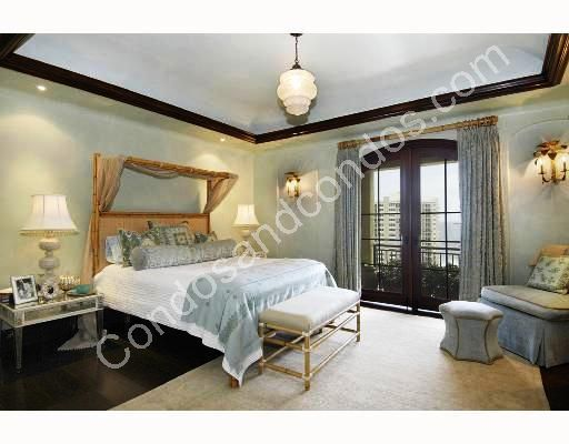Well-furnished guest rooms