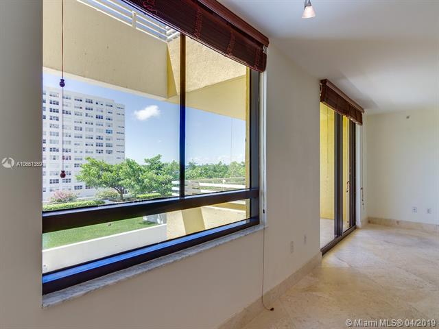Photo of 1330 West Ave #3407 listing for Sale