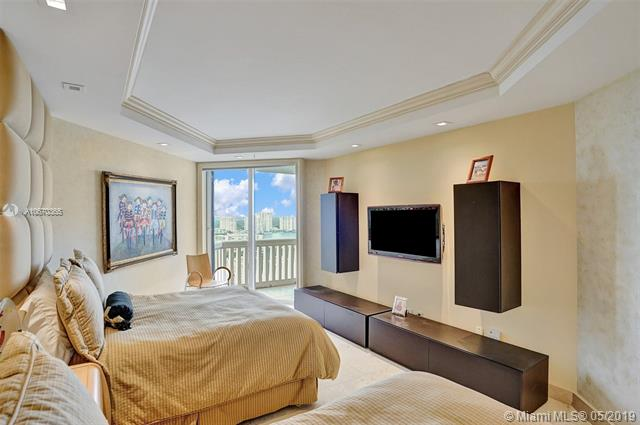Photo of 2600 Island Blvd #2303 listing for Sale