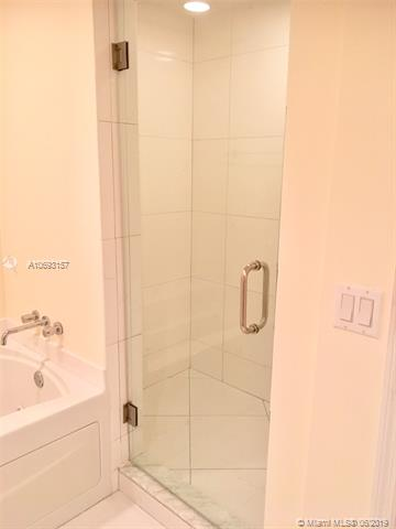 Photo of 55 SE 6th St #2204 listing for Sale