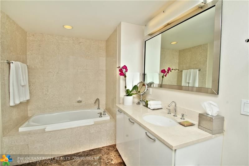 Photo of 505 Fort Lauderdale Beach Blvd #1211 listing for Sale