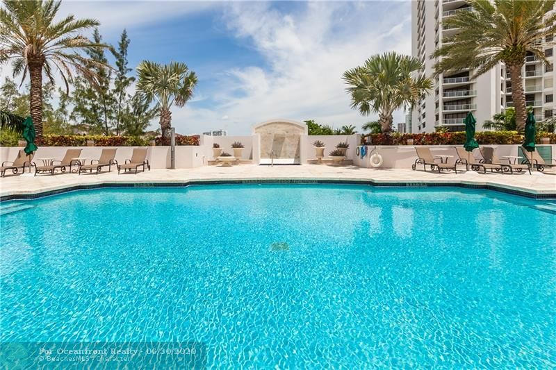 Photo of 19400 Turnberry Way #721 listing for Sale